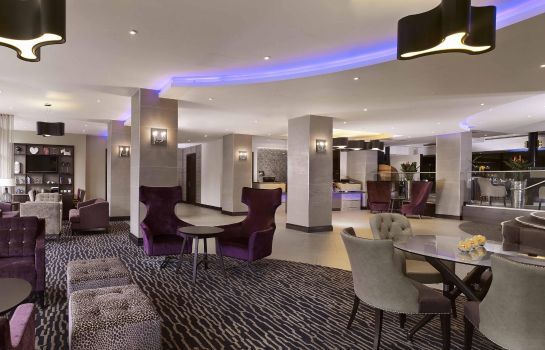 Hall de l'hôtel DoubleTree by Hilton Woking