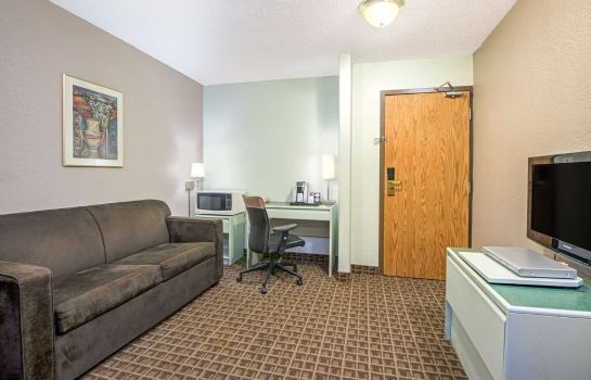 Suite SUPER 8 TORONTO NORTH