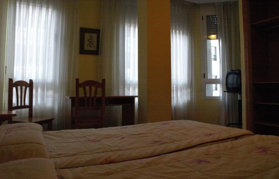 Double room (standard) Hostal Orejas