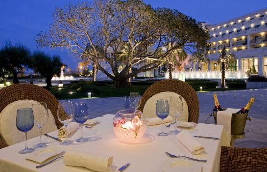 Restaurant Las Arenas Balneario Resort - Leading Hotels of the World