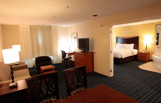 Room Fairfield Inn & Suites Oakland Hayward