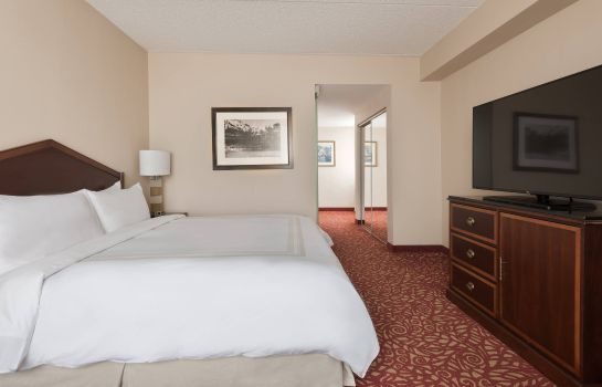 Zimmer Columbus Airport Marriott