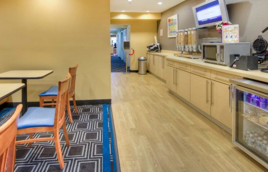 Restaurant TownePlace Suites Raleigh Cary/Weston Parkway