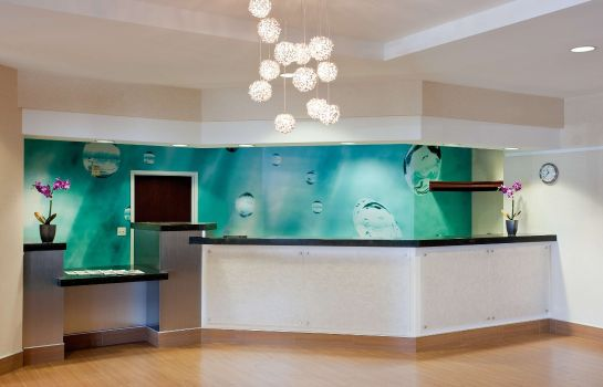 Vestíbulo del hotel SpringHill Suites Los Angeles LAX/Manhattan Beach