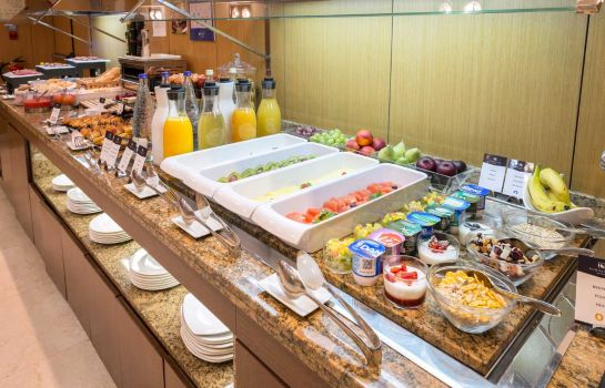 Breakfast buffet Eurostars Monumental