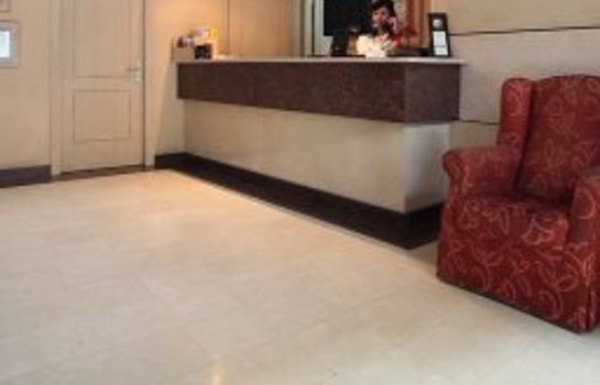 Reception Sunotel Aston