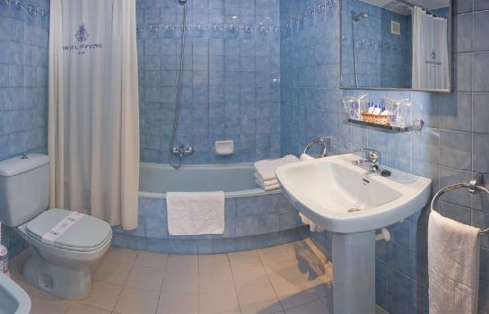 Bathroom Hotel GHT Neptuno