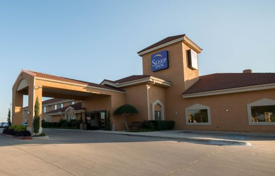 Vista exterior Clarion Inn & Suites DFW North
