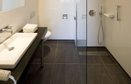 Bathroom Van der Valk Stein-Urmond