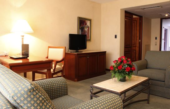 Suite Los Tallanes Hotel and Suites