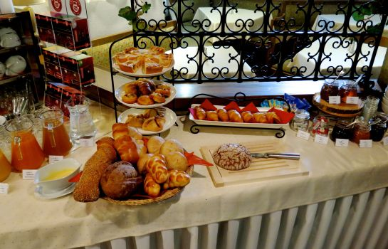 Breakfast buffet SPA LA COLLINA