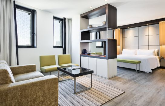 Suite junior Hotel BCN Condal Mar managed by Melia