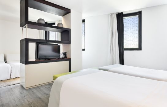 Vierbettzimmer Hotel BCN Condal Mar managed by Melia
