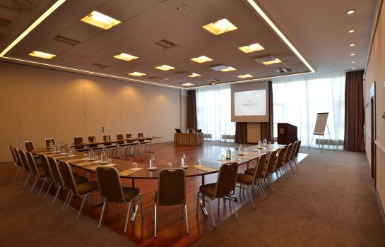 Conference room Golden Tulip Warsaw Centre