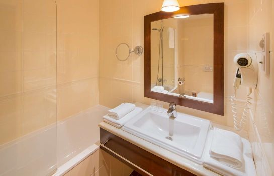 Double room (standard) Golden Tulip Warsaw Centre