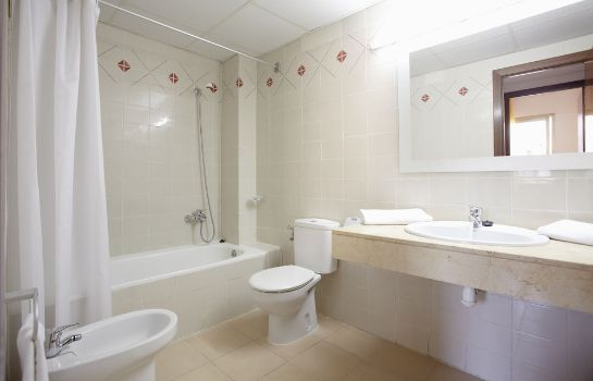 Cuarto de baño Hotel Salou Beach by Pierre & Vacances