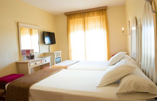 Double room (standard) Los Angeles Hotel & Spa