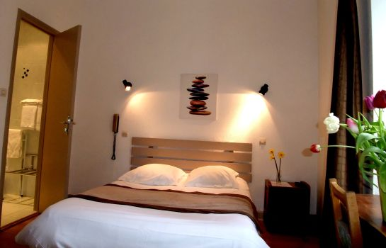 Doppelzimmer Standard Hôtel Family and Spa Logis