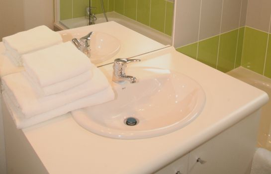 Bagno in camera Nemea Nancy Appart'hotel