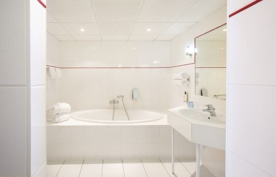 Bagno in camera Best Western Le Schoenenbourg
