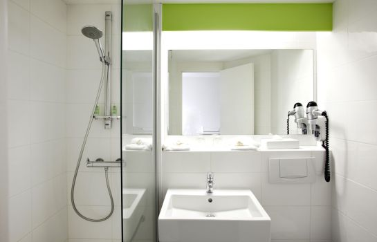 Bagno in camera Sure Hotel by Best Western Bordeaux Aeroport