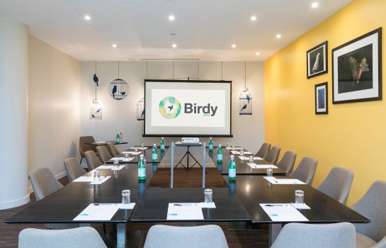 Seminar room Birdy by HappyCulture
