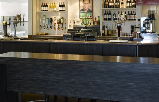 Bar del hotel Holiday Inn LONDON - BRENT CROSS