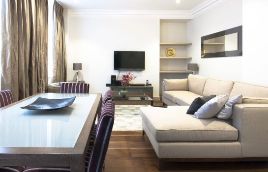 Habitación The Claverley Hotel London