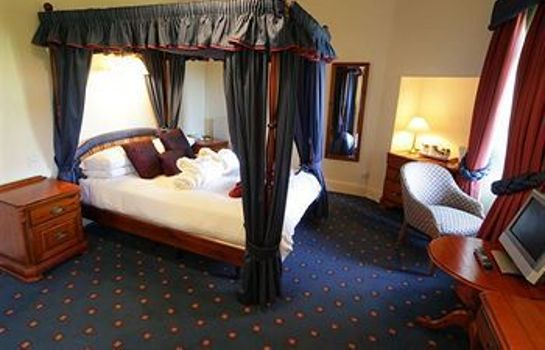 Single room (standard) Craig Manor Hotel