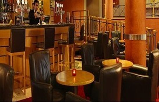 Hotel bar Maldron Hotel Belfast International Airport