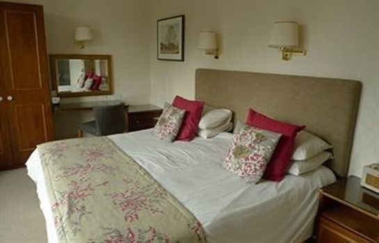Standard room Ascot House Hotel