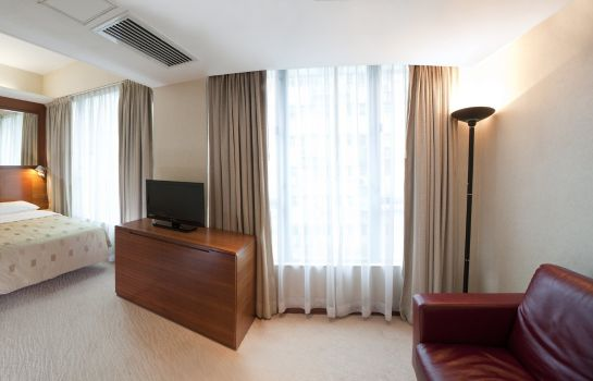 Suite Silka West Kowloon Hotel