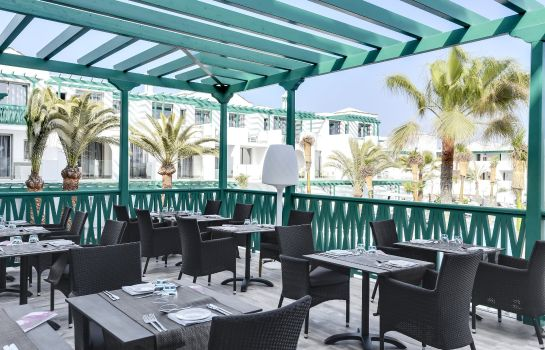 Hotel bar Barceló Teguise Beach Adults Only