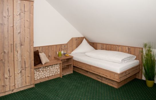 Single room (superior) Landhotel Hutzenthaler