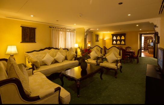 Suite Arabian Courtyard Hotel & Spa