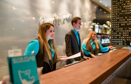 Empfang Motel One Airport