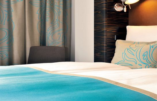 Double room (standard) Motel One Airport