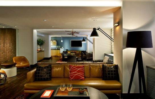 Hotel-Bar FIFTY HOTEL SUITES AFFINIA