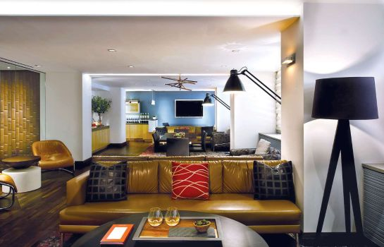 Bar hotelowy Fifty Hotel Suites Affinia