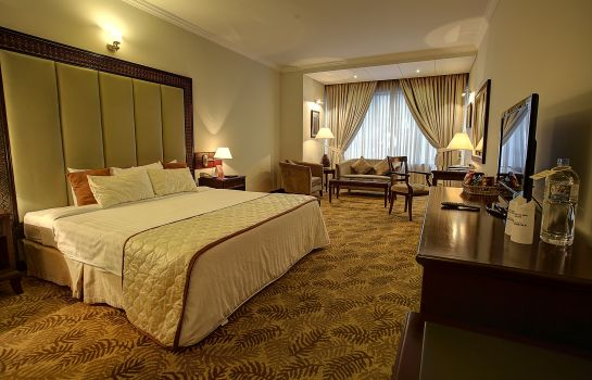 Single room (standard) Hotel Sarina Dhaka Five Star Business Boutique Hotel