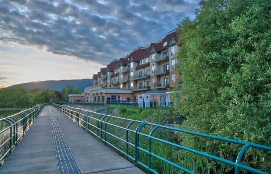 Vista exterior Prestige Harbourfront Resort Salmon Arm
