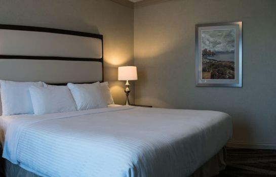 Suite Prestige Harbourfront Resort Salmon Arm