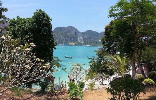 Surroundings Bay View Resort - Phi Phi Island