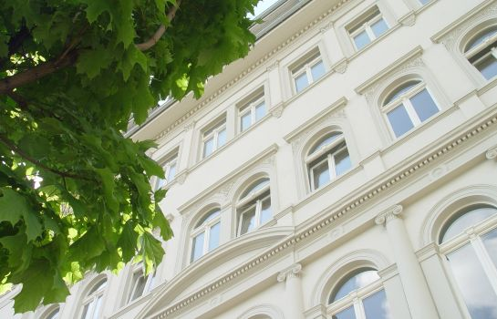 Exterior view Aparthotel am Zwinger
