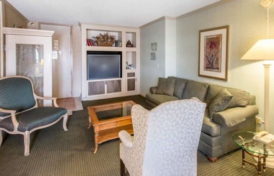 Suite RODEWAY INN AND SUITES BOULDER BROKER