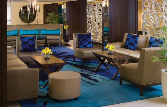 Hotel bar Vivanta Blue Diamond Pune