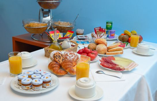 Breakfast buffet Acta Azul Barcelona