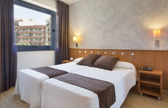 Triple room Acta Azul Barcelona