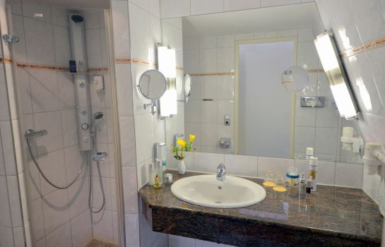 Bagno in camera Residenz Strandhotel (kinderfreies Hotel)