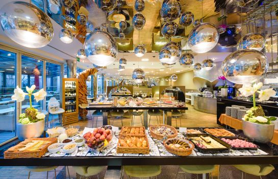 Breakfast buffet Grandium  Prague